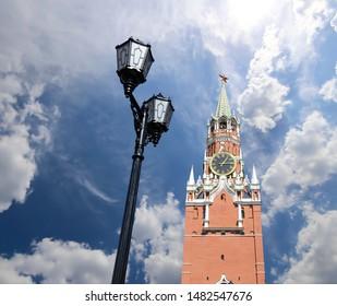 Spasskaya Tower. Moscow Kremlin, Russia (day).