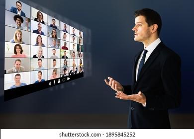 Orador En Seminario De Capacitación Virtual. Conferencia De Capacitación Con Audiencia