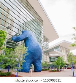 Special Big Blue Bear statue saw at Denver