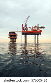 Special purpose ship and oil platform