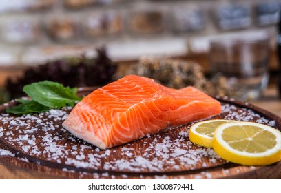 Special salmon cut with lemon