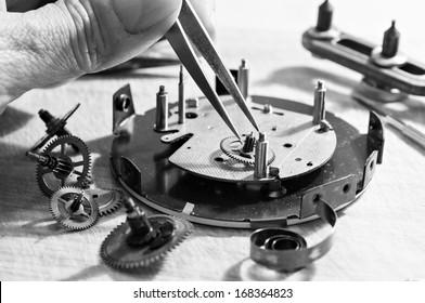 Special tools for repair of clocks