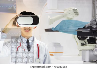 The specialists are using state of the art AR technology to treat and advise on the health care of the younger generation in the most advanced laboratory of the hospital