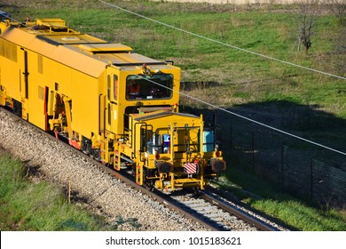 Specialized train for track repairs.