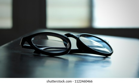spectacles on the bench of a classroom !!