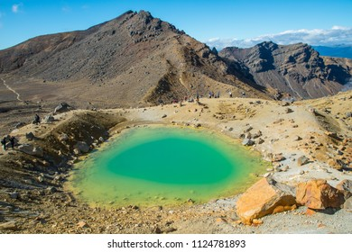 The spectacular landscape of the emerald lake in Tongariro Alpine Crossing track, Tongariro national park, North Island, New Zealand.
