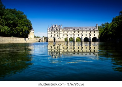 spectacular view of Chenonceau Castle in france