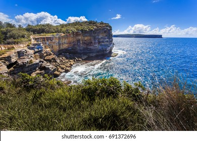 Spectacular view of ocean cliff in the Gap Park  on suny day, Watsons Bay, Sydney