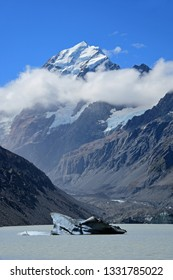 spectacular views of mount cook  and hooker lake  and icebergs along the hooker valley track on a summer day in summer,  near mount cook village on the south island of new zealand