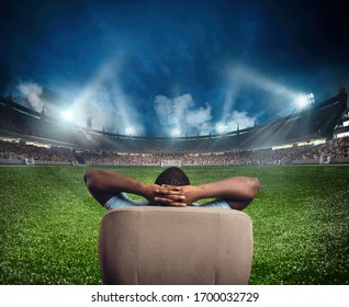 Spectator in the armchair at home feels at the center of the event