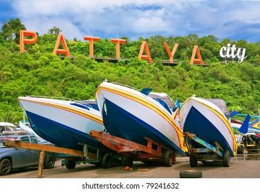 speedboats at pattaya city