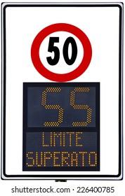 Speedometer, deterrent for high speed used on italians road