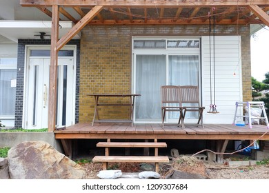 Spend Holiday with family by resting at Japanese wooden bungalow upcountry with chill terrace outside for outdoor activity