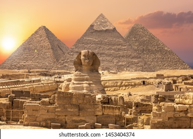 The Sphinx and the Piramids, famous Wonder of the World, Giza, Egypt