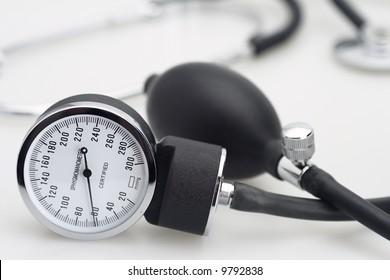 sphygmomanometer stethoscope blood pressure meter medical tool