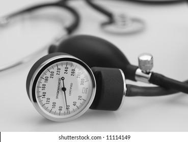 sphygmomanometer stethoscope medical tool pressure measure instrument