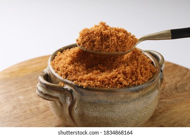 Spice mix or peanut chutney with flax seed and garlic. This powder is served in a thali of Indian food