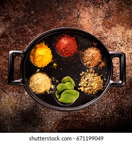 Spice powder and herbs