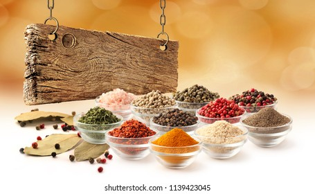 Spice set and wooden board