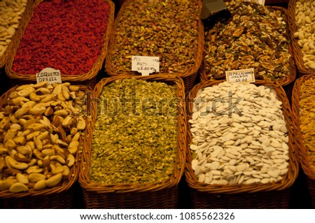 spices market basquets