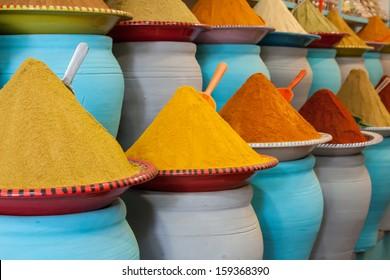 Gewürze auf dem Markt Marrakesch, Marokko