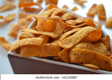 Spicy corn chips (fritos)