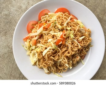 spicy dry noodle salad , Thailand style food