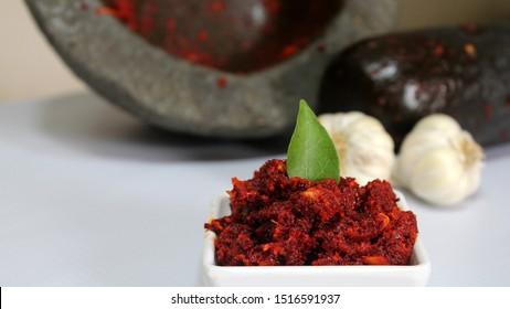 Spicy Garlic chutney made with hamam dasta
