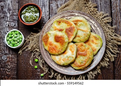 Spicy green peas Flatbread. Bengali Matar Kachori. Indian cuisine. toning. selective focus