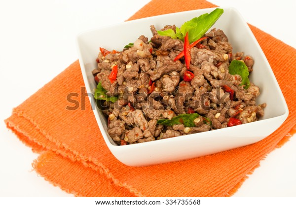 Spicy minced meat thai dish
