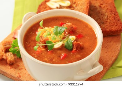 Spicy soup with egg