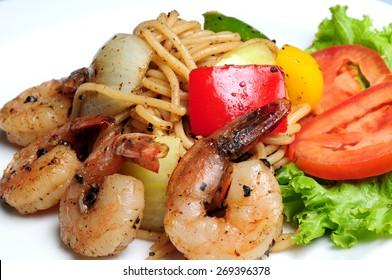 Spicy Spaghetti Shrimp pad kee mao thailand style