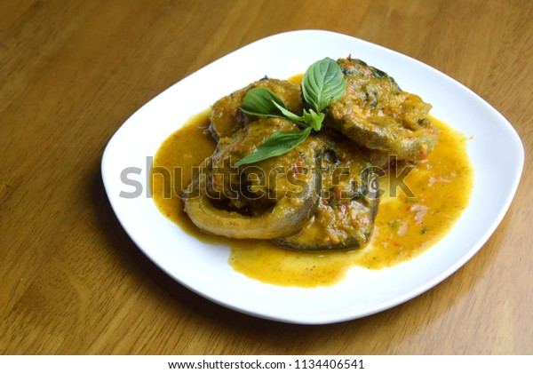Spicy-fried-catfish. Thai food