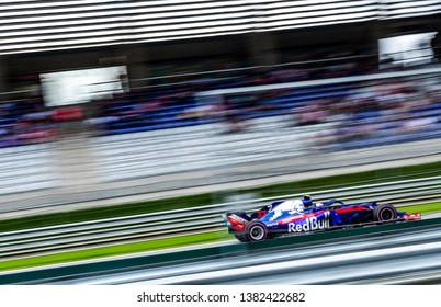 Spielberg/Austria - 06/30/2018 - #10 Pierre GASLY (FRA) in his Toro Rosso Honda STR13 during FP3 at the Red Bull Ring ahead of the 2018 Austrian Grand Prix