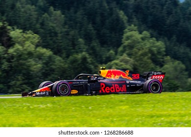 Spielberg/Austria - 06/30/2018 - #33 Max Verstappen (NDL) in his Red Bull Racing RB14 during qualifying for the 2018 Austrian Grand Prix at the Red Bull Ring