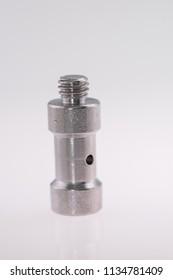 Spigot adapter, spigot for tripods