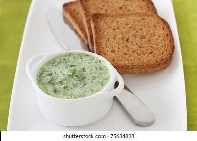 spinach dip with toasts