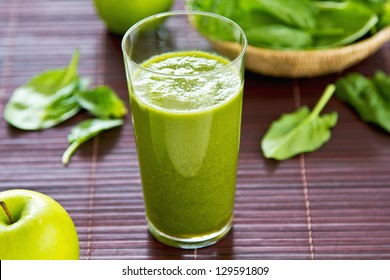 Spinach with Green apple and celery smoothie