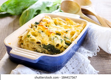 Spinach and ricotta pasta bake