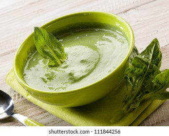 spinach soup, vegetarian food
