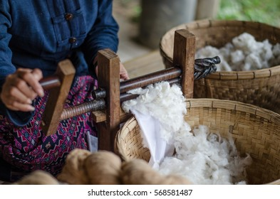 Spinning cotton into thread by hand, white cotton, how to make cotton by hand