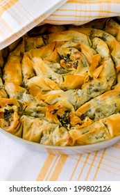 Spiral pastry with cheese and dock