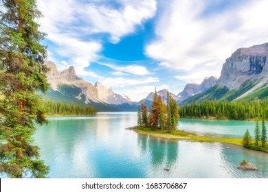 Spirit Island, Maligne Lake, Jasper National Park, Canada. Idyllic landscape