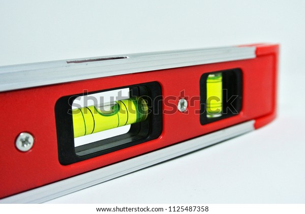 Spirit level tool for carpenter of contractor to determine object levels