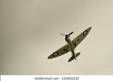 Spitfire doing a maneuvre