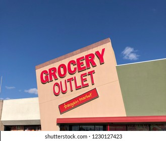 Spokane, WA/USA: September 2018: Exterior of Grocery Outlet Store and Sign. Grocery Outlet is a private, family owned supermarket franchise chain featuring overstock and discontinued items.