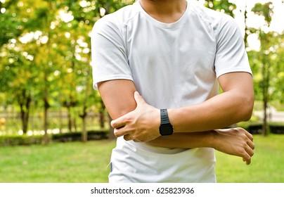 Sport injury, Man with bicep pain