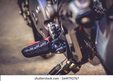Sport-front footrest on a big bike