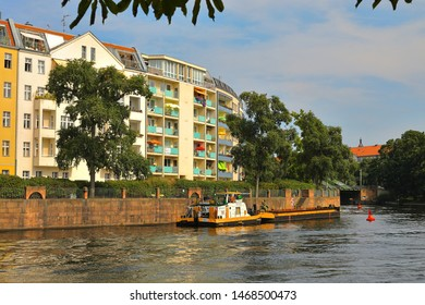 Spree River flows through Charlottenburg-Wilmersdorf, Berlin, Germany (Deutschland)