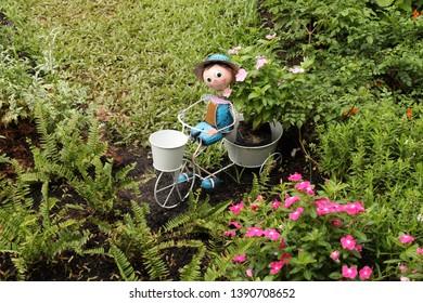 Nursery Near Me Images, Stock Photos & Vectors | Shutterstock